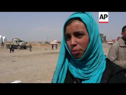 Families fleeing Mosul tell of hunger and fear
