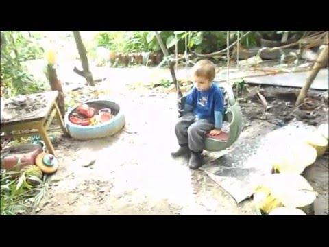 Детские качели из покрышки своими руками