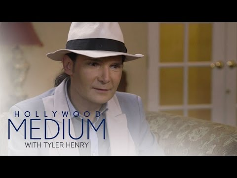 Tyler Henry Shocks Corey Feldman With Spot-on Reading | Hollywood Medium with Tyler Henry | E!
