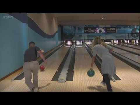 Can you bowl a strike with your left hand?