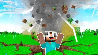 5 CRAZY MINECRAFT TROLLS! (TORNADO, EARTHQUAKE, & MORE!)