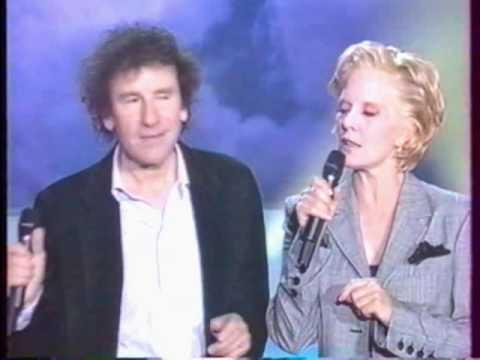 Sylvie Vartan et Alain Souchon   L'amour à La Machine