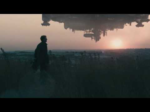 District 9 Soundtrack #01 - Main Theme