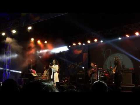 download Nadin Amizah - Sorai (live)
