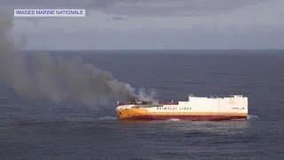 Costa francesa sob ameça de mancha de combustível de 12 quilómetros