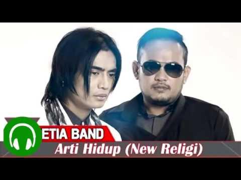 Setia Band feat  Celcia   Arti Hidup Ost  Di Bawah Lindungan Abah 640x360MP4 360p
