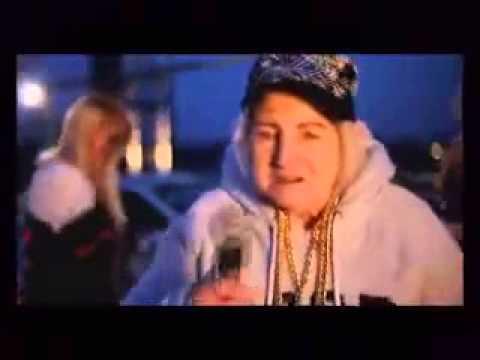 Бабка зверь, читает рэп кручи гуфа, колбасит стариков