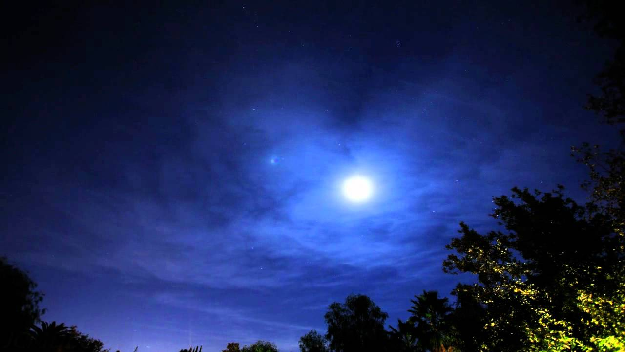 Excellent Thin Cirrus Clouds And Moon Rise Night Sky Timelapse V10412