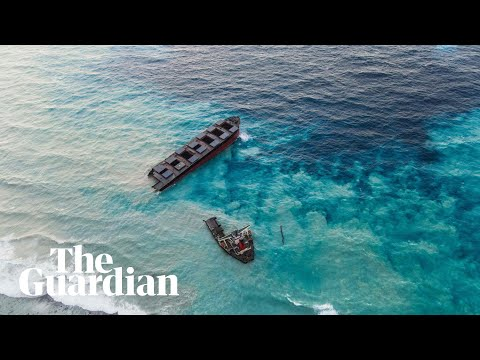 Mauritius oil spill: ship breaks up and remaining fuel spreads into ocean