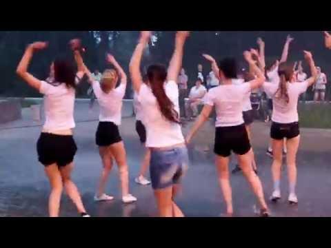 Зажигательный летний флешмоб в Березовском