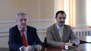 Repeat youtube video Singeorz Bai - Semnarea contractului reabilitare infrastructura turistica .wmv