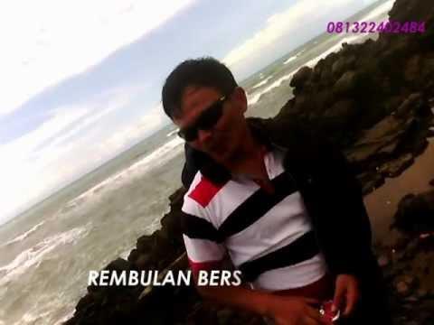 Download Rembulan Bersinar Lagi - Lipsing Eko Garut by Uus Darusman.mpg