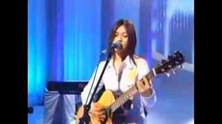 cantora japonesa yui cantando musica do anime bleach da joinha e fo...