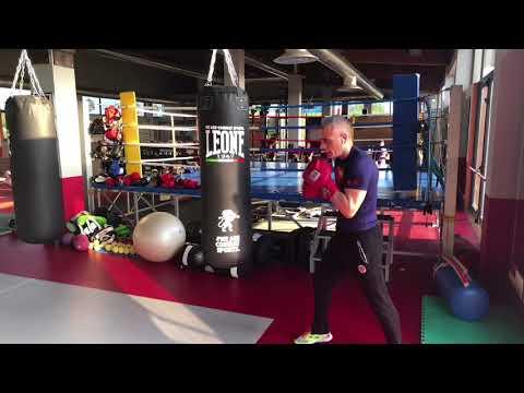 Boxe colpi di base e movimento delle gambe