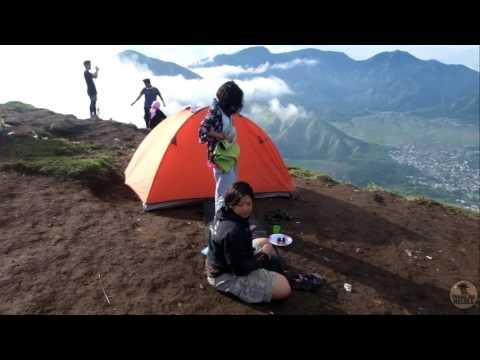 Hot & cold part 1   Sumbawa - Lombok   Travel Vlog #1