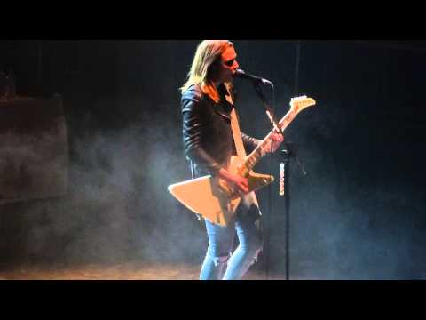 Halestorm - Hate It When You See Me Cry Manchester,England O2 Apollo March 14 2015