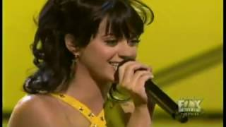 Katy Perry - I Kissed a Girl (LIVE) thumbnail