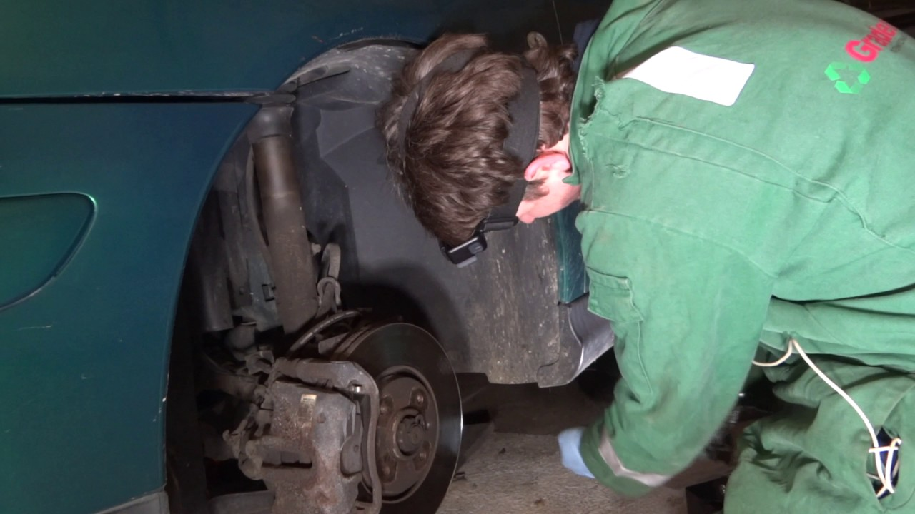 hight resolution of citroen c5 mk1 front bumper removal