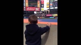 Jeffrey cheers for the Mets