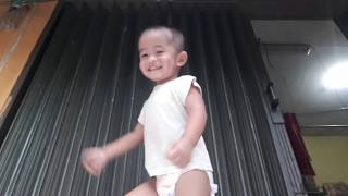 Bayi Ngedance Lucu | Dame Tu Cosita Dance