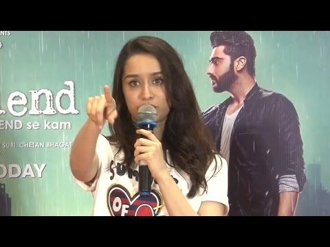 Shraddha Kapoor Singing Phir Bhi Tumko Chaahungi | Live Performance