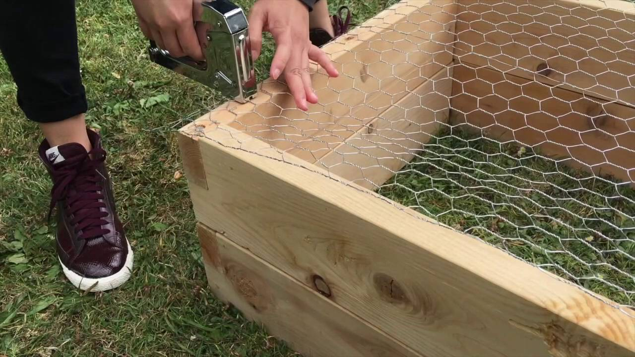 How to Build an Eartheasy Natural Cedar Raised Garden Bed - YouTube