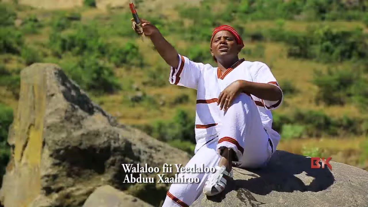 """Download Abduu Taahiroo = """"Ta Kaarruu Magaallanii""""Oromo/Oromiyaa Music 2018 Bakakkaa (official music video)"""
