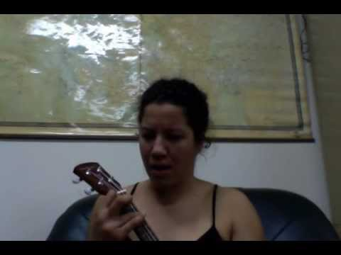 sascha  jolie holland on ukulele