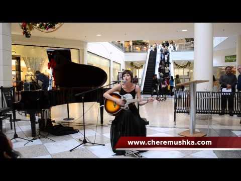 Видео, Diamonds and Rust - выступление в торговом центре