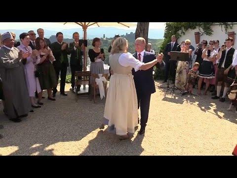 ویدئوی رقص پوتین در عروسی وزیر اتریشی منتشر شد thumbnail