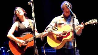 Brandi Carlile & Amos Lee - Blue eyes crying in the rain