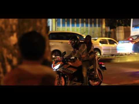 Payung Teduh -  Untuk Perempuan Yang Sedang Dalam Pelukan cover video