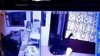 CCTV shows robbery worth Rs 13 crore in Trichy's Lalitha Jewellery