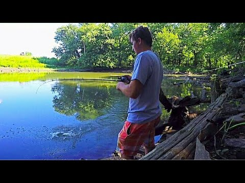 FOUND THE BEST FISHING SPOT!!