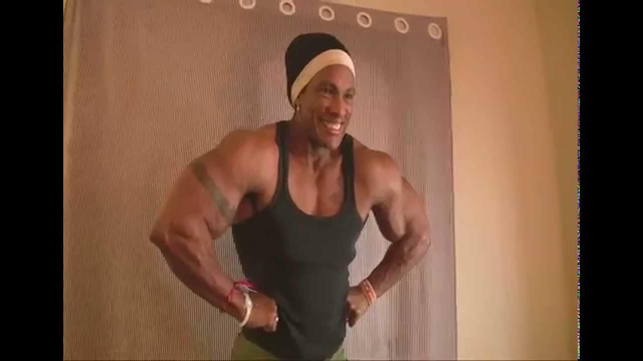 Huge Brazilian Female Bodybuilder with 20 inch giant ...  Huge Brazilian ...
