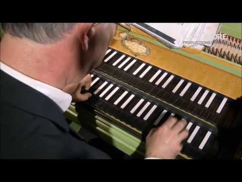 Johann Sebastian BACH: English Suite in a minor BWV 807 - Pierre HANTAÏ harpsichord