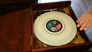 Clean Vinyl Records With Wood Glue