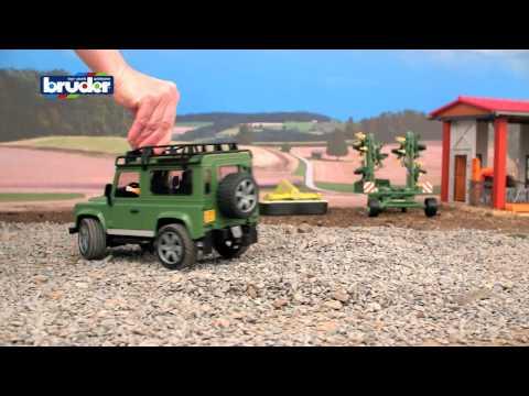 Bruder Toys Land Rover Defender #02590