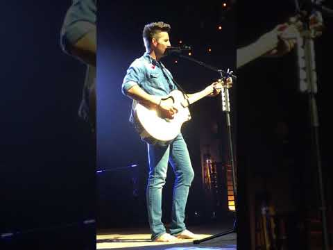 Jake Owen-I Was Made For You 9-14-17 Charleston WV