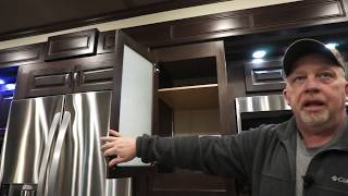 Baixar How to get to know your Luxe Elite luxury fifth wheel - Inside Walk through