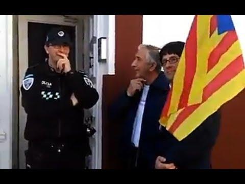 Puigdemont se entrega a la Policía Local de Tomelloso, pero en broma