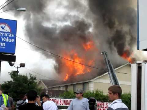 Americas Best Value Inn - South Austin - On fire