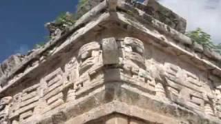 Zona Arqueológica Chichén Itzá. Ciudad al Borde del Pozo de los Brujos del Agua