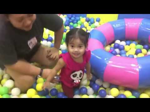 indoor-playground-fun-for-kids-with-balls-and-slide