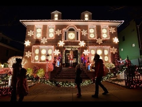 a slice of brooklyns christmas lights tour of dyker heights
