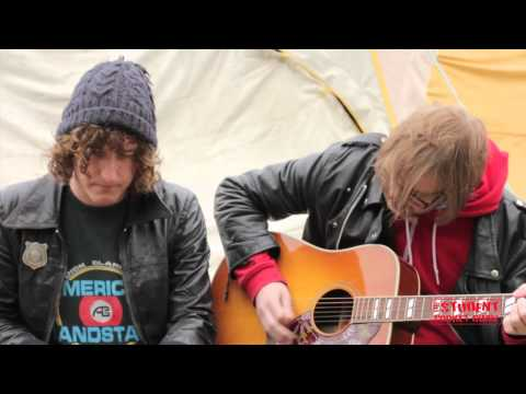 The Pigeon Detectives - 'I Can't Control Myself' | SPGtv