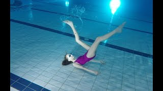 Dancing Underwater and practicing breath hold