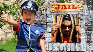 Yusuf'un Komik Macerası! Kids pretend play Police in Jail Funny Story