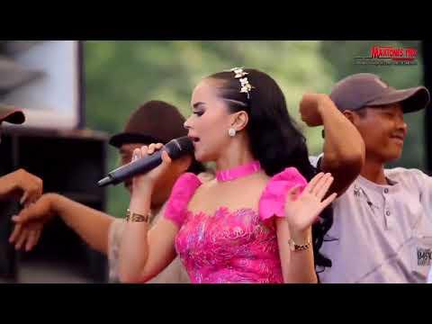 WONG LANANG LARA ATINE - Dwi Ratna New Pallapa Live Tegal 2017