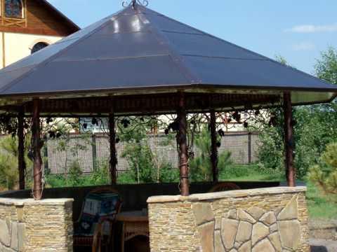 Красивая беседка из металла и камня для дачи, для сада, для частного дома на участке